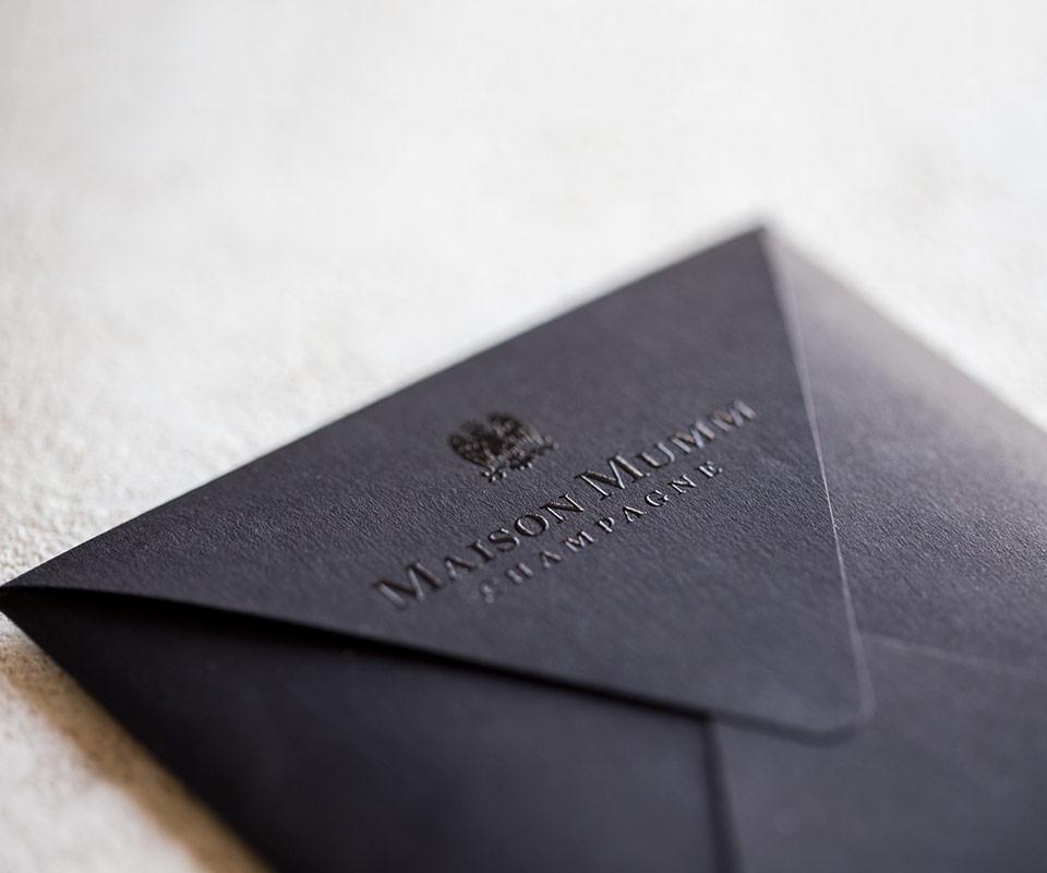GH Mumm invitation Epok design vernis selectif enveloppe sur-mesure